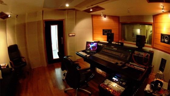 Control Room – Cozy atmosphere where creative thinking take place!